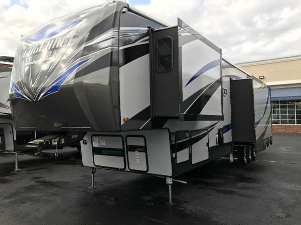 2017 Vengeance RV 39R12