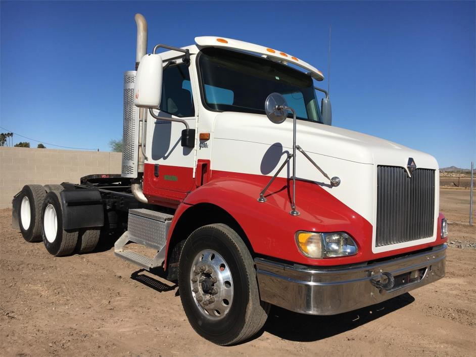 2008 International 9200i Conventional - Day Cab