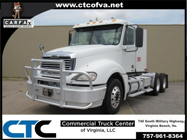 2009 Freightliner Colum Conventional - Day Cab
