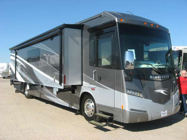 2015  Winnebago  Journey 40R