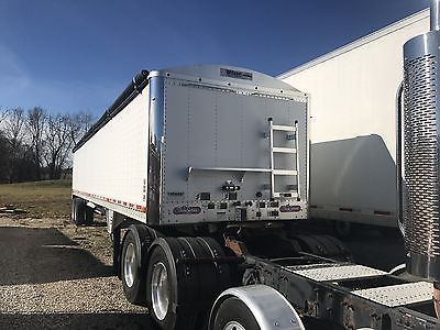 2012 Wilson 41x96x72 grain trailer! Super nice trailer, ready to go! Air ride!