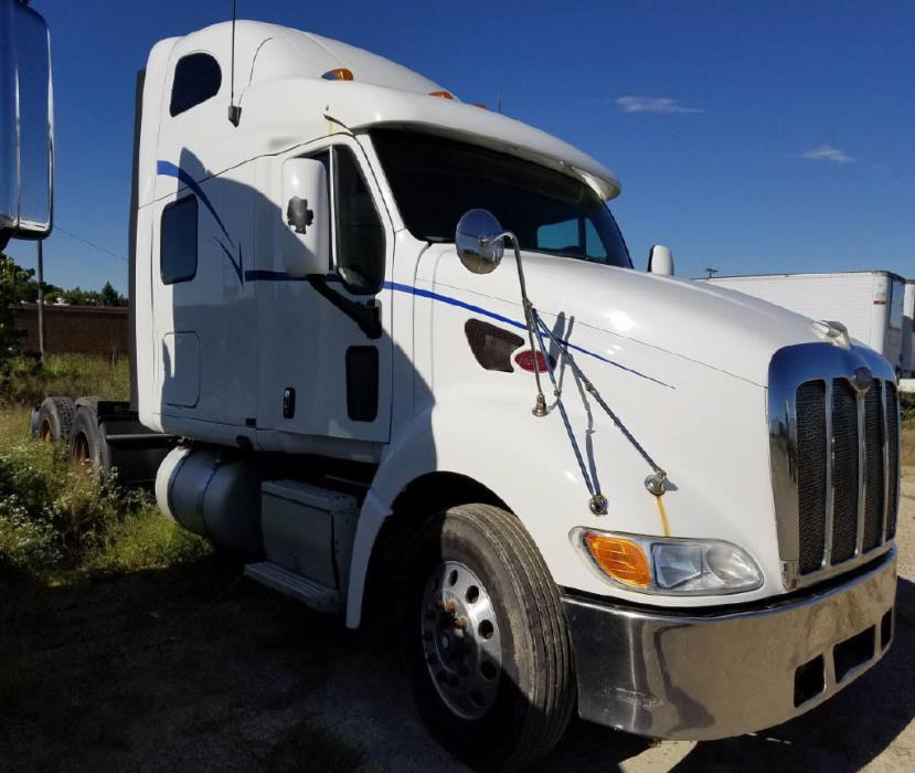 2005 Peterbilt 387 Conventional - Sleeper Truck