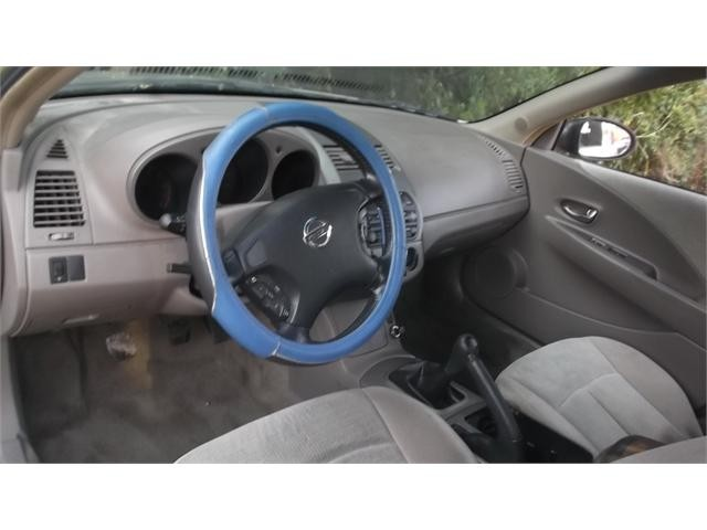2002 Nissan Altima 4 Dr 2.5 Sedan