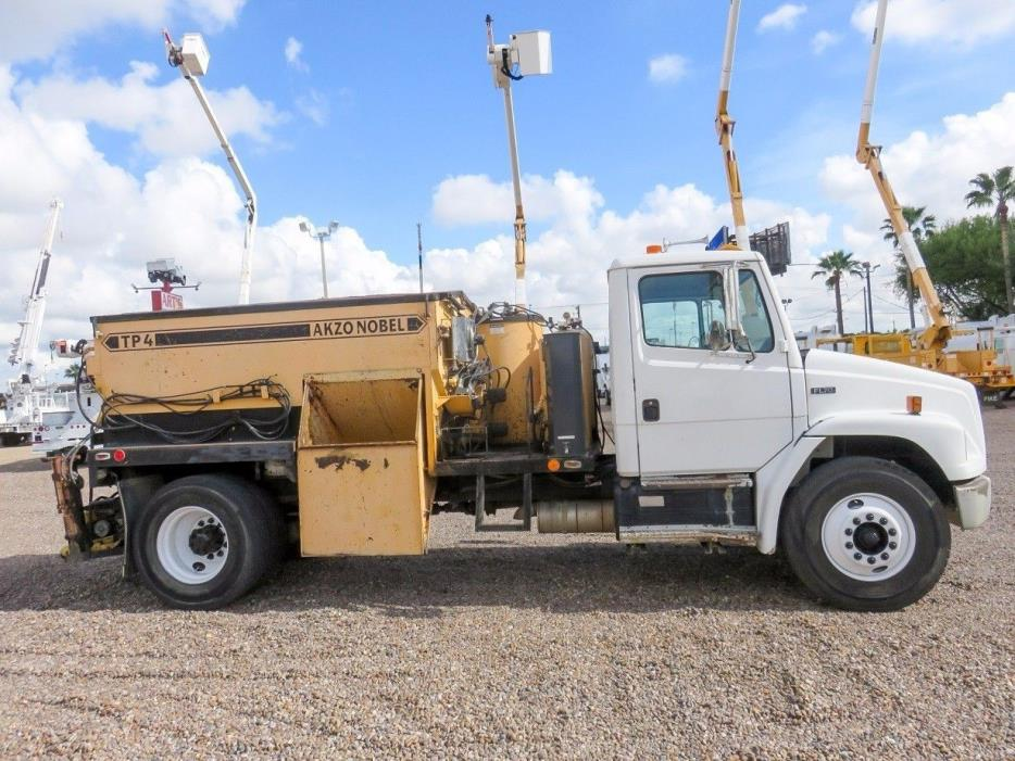 2000 Freightliner Fl70  Hot Oil Truck