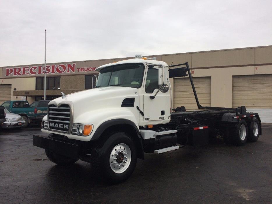 2003 Mack Cv713 Roll Off Truck
