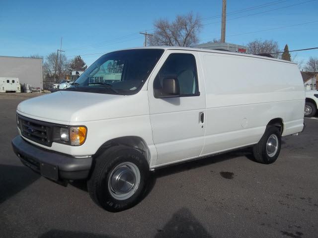 2006 Ford E-Series Cargo  Cargo Van