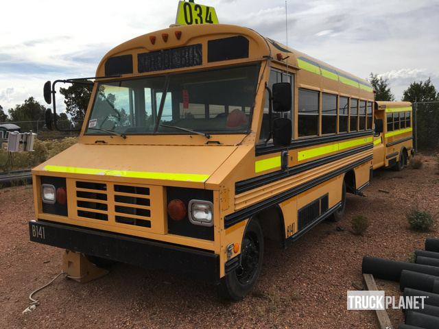 1999 Workhorse P Series  Bus