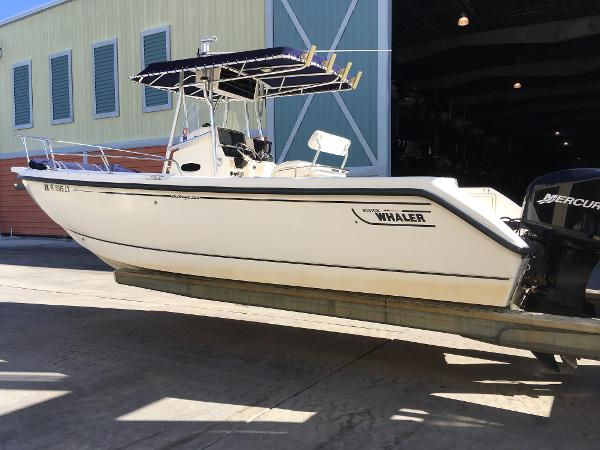 2002 Boston Whaler 260 Outrage