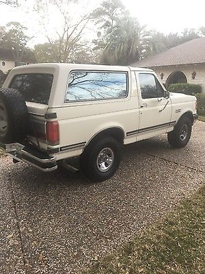 1989 Ford Bronco  1989 4WD Ford Bronco
