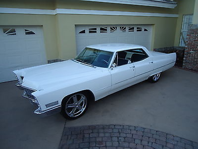 1967 Cadillac DeVille WHITE 1967 CADILLAC SEDAN DEVILLE- THIS CADILLAC IS GORGEOUS ! OUTSTANDING CONDITION