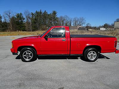 1989 Dodge Dakota Sport Standard Cab Pickup 2-Door 1989 Dodge Dakota Sport 3.9L V6, Automatic, MUST SEE - NO Rust! Clean! 2WD!