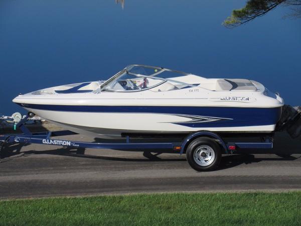 2000 Glastron SX175