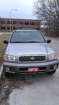 2001 Nissan Pathfinder Nissan Pathfinder 2001,125k,FULLY LOADED,4x4, will tow for free up to 100 miles