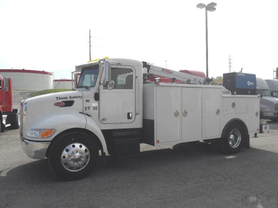 2010 Peterbilt 330  Utility Truck - Service Truck