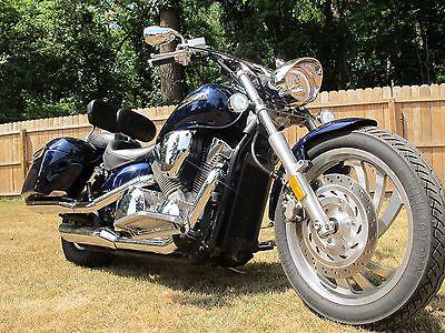 2007 Honda VTX  Motorcycle