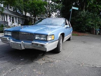 1990 Cadillac DeVille 4.5L 273Cu. In. V8 GAS 1990 Cadillac Deville 4.5L 273Cu. In. V8 GAS 24000 Miles BLUE 8 Cylinder Engine