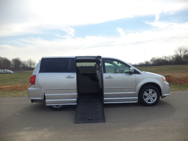 2012 Dodge Grand Caravan SXT 2012 DODGE GRAND CARAVAN SXT BRAUN HANDICAP WHEELCHAIR VAN