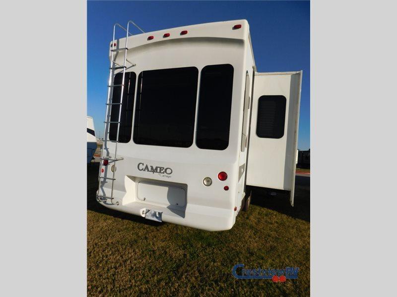 2009 Carriage Cameo F32FWS, 2