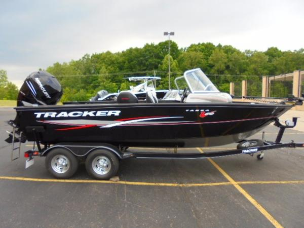 Aluminum fishing boats for sale in windsor charter for Used aluminum fishing boats for sale in michigan