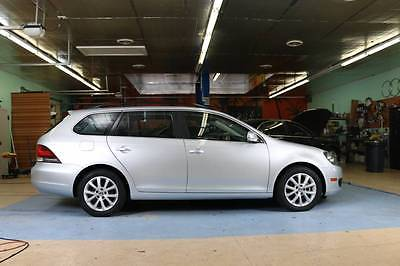 2014 Volkswagen Jetta SE Wagon 4-Door 2014 Volkswagen Jetta SE Wagon,leather, Touch Screen,warranty, Wholesale price!!