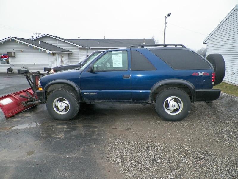 Snow Plow ! 1998 Chevrolet Blazer 2dr - 4WD LS