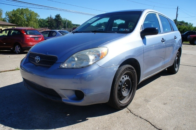 2005 TOYOTA MATRIX WAGON 5 SPEED MANUAL CLEAN