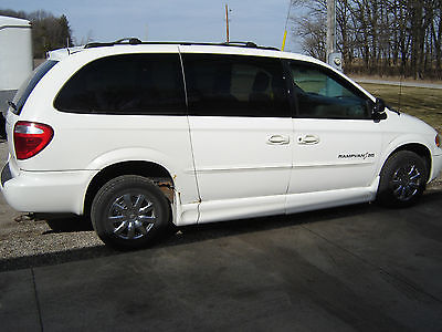 2002 Dodge Grand Caravan EX Mini Passenger Van 4-Door 2002 Dodge Grand Caravan - Wheelchair Van