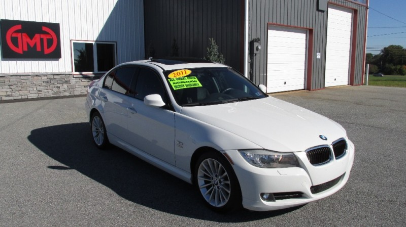 2011 BMW 328i xDrive *AWD! *Sport Package! *Premium Package!