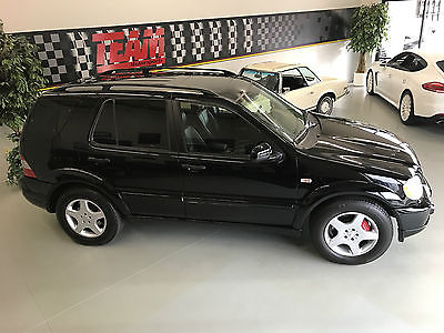 2000 Mercedes-Benz M-Class ML55 Sport Utility 2000 M. Benz ML55 AMG - 342HP V8 - AWD - Black/Charcoal - 2 Owner - Extra Clean