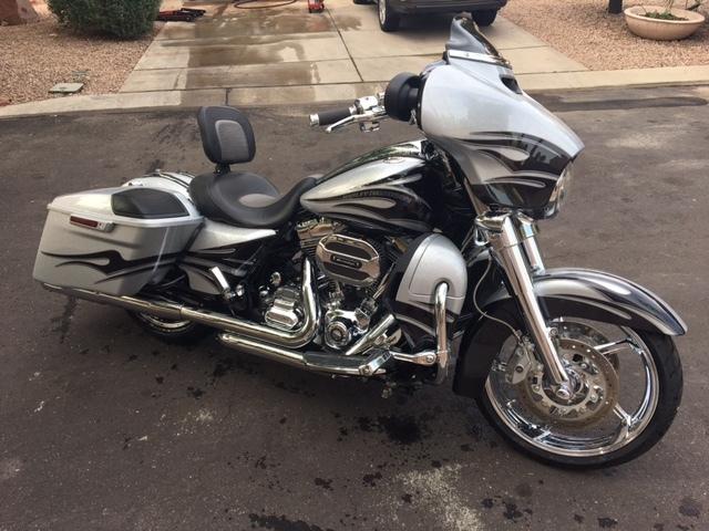 2015 Harley-Davidson STREET GLIDE CVO