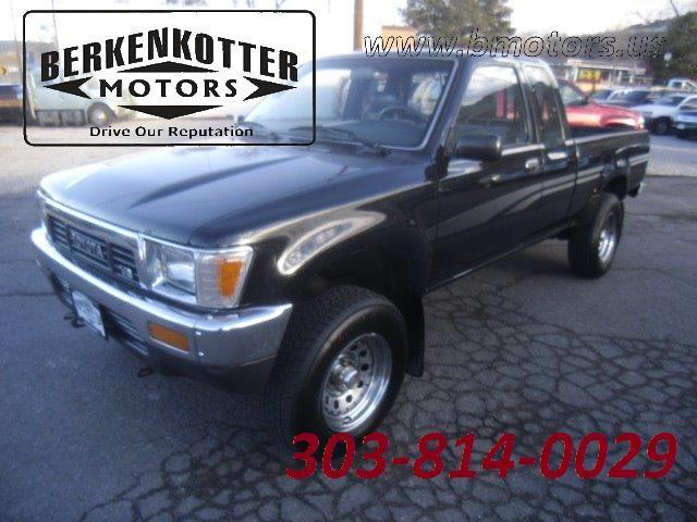 1991 Toyota Pickup Deluxe 2dr Deluxe