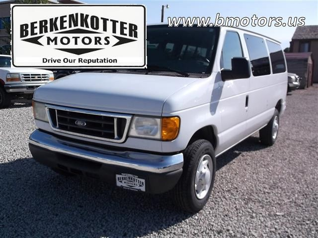 2006 Ford E-Series Wagon E-350 SD XL