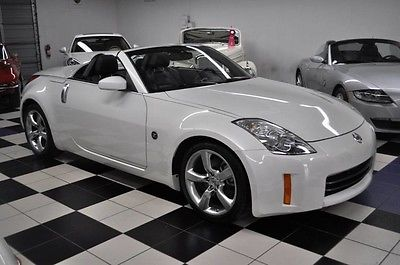 2009 Nissan 350Z ONLY 28k MILES -  CLEAN CARFAX -  PEARL WHITE 2009 Nissan Only 28,245 Miles! Carfax Certified!