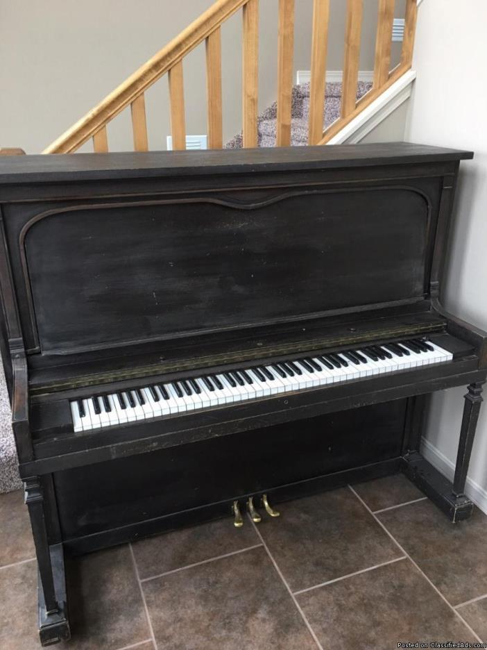 Antique Classic Upright Piano