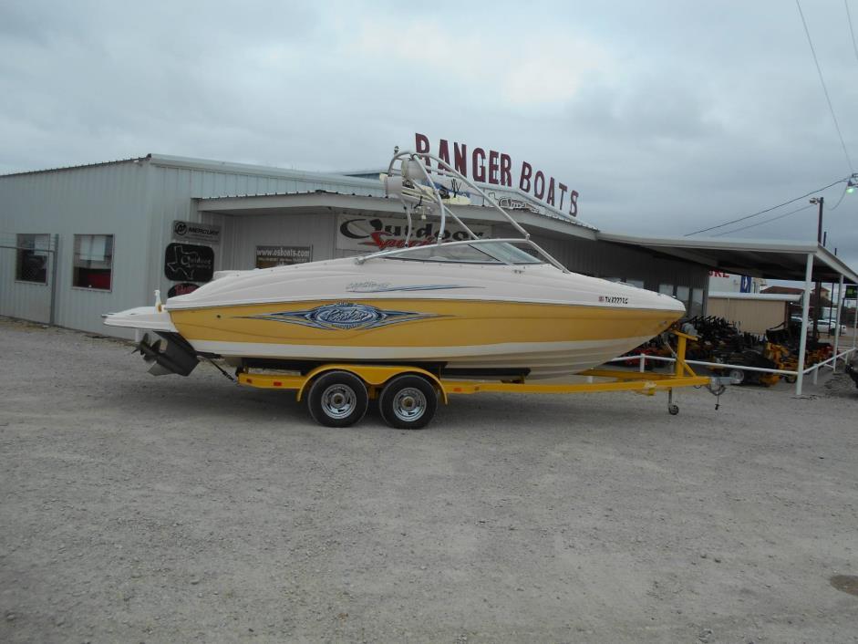 2005  Rinker  232 Captiva Bowrider