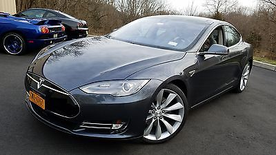 2015 Tesla Model S Grey 2015 Tesla S P85D fully loaded, extra wheels, pristine, low miles