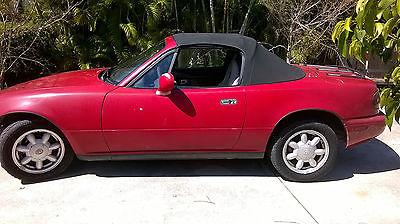 1993 Mazda MX-5 Miata Base 1993 Red Mazda Miata Coupe Convertible