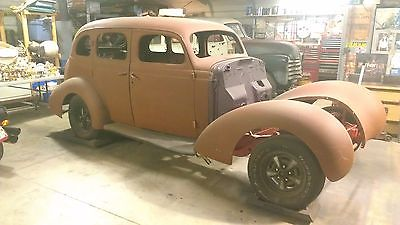 1937 Studebaker 4 Door Sedan  1937 STUDEBAKER 4 DOOR SEDAN
