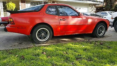 1985 Porsche 944 Porsche 944 Classic 1985 -project car- $975- no engine