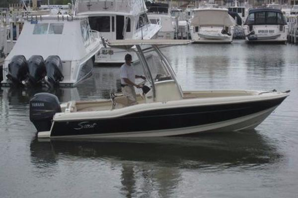 2011 Scout Boats 210 XSF
