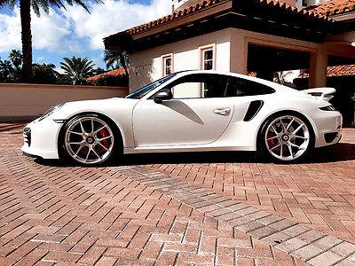 2015 Porsche 911 Turbo S Coupe 2-Door 2015 Porsche 911 Turbo S Coupe 2-Door 3.8L