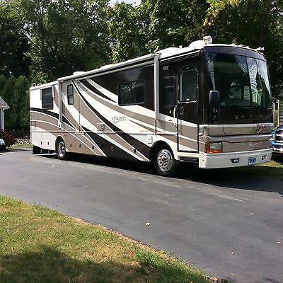 2003 FLEETWOOD DISCOVERY 39S CLASS A DIESEL MOTORHOME