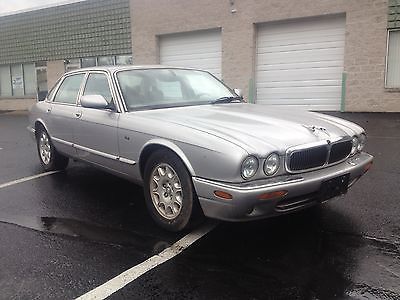 2001 Jaguar XJ XJ8 NO RESERVE - 2001 JAGUAR XJ8 - LOADED V8 LEATHER - 1 OWNER NO ACCIDENTS NO RUST