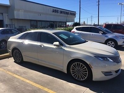 2014 Lincoln MKZ/Zephyr Base 2014 Lincoln MKZ Base White Platinum Metallic Tri-Coat 4D Sedan 3.7L V6 Ti-VCT 2