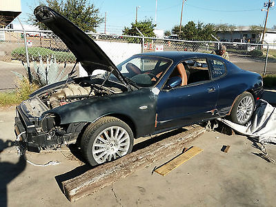2002 Maserati Coupe BASE Maserati 2002 coupe for parts. Runing when start doing for parts