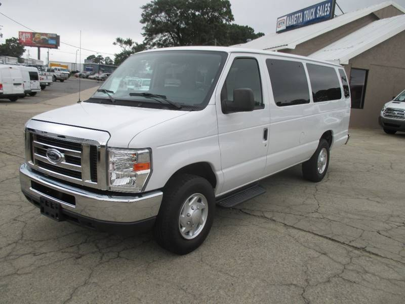 2013 Ford E-Series Wagon  Passenger Van