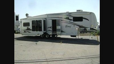 Fifth Wheel-2008 36' Cardinal by Forest River