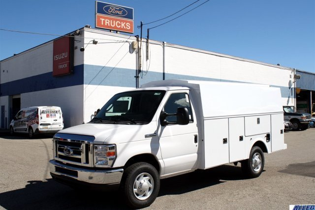 2016 Ford Econoline Commercial Cutaway  Utility Truck - Service Truck