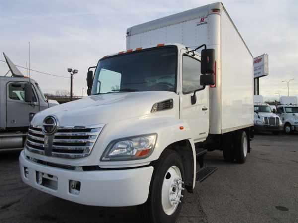 2009 Hino Hino 238  Box Truck - Straight Truck