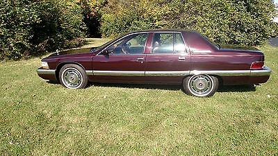 1995 Buick Roadmaster Base Sedan 4-Door 1995 Buick Roadmaster Base Sedan 4-Door 5.7L